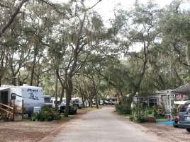 southern-aire-rv-resort-thonotosassa-florida-roadway2