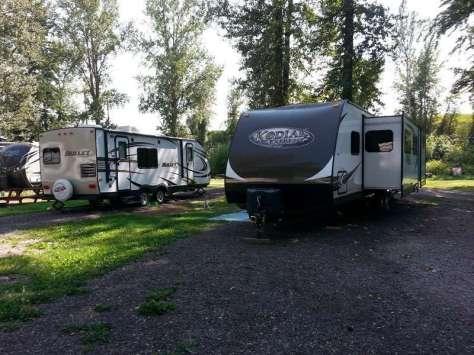 spruce-park-on-the-river-kalispell-montana-pull-thru-2