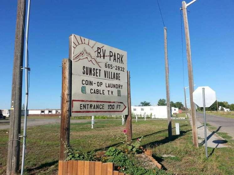 Sunset Village Mobile RV Park in Hardin Montana Sign