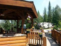 timber-wolf-resort-hungry-horse-montana-gazebo