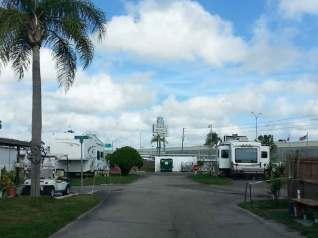 travel-world-rv-resort-clearwater-florida-sign