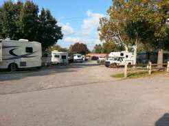 Two Rivers Campground in Nashville Tennessee Roadway