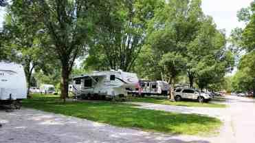 west-lake-park-campground-davenport-ia-07