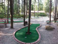 whitefish-kalispell-north-koa-whitefish-montana-mini-golf