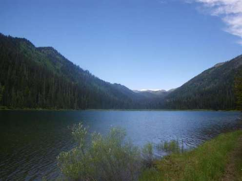 handkershief-lake-campground-montana-lake