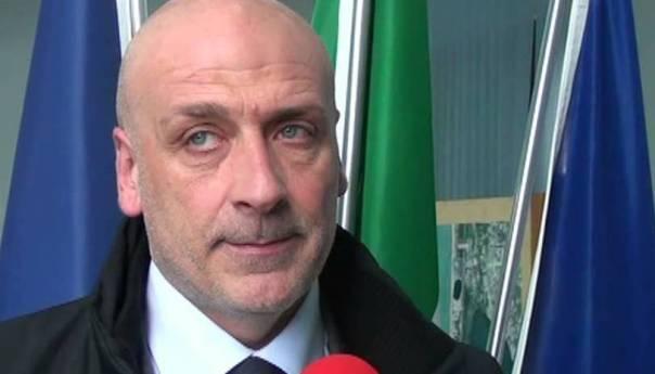"""Il sindaco Figliolia """"cinguetta"""" ed annuncia la costituzione di parte civile nel processo contro i capoclan della camorra"""