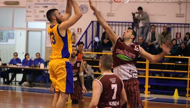 Virtus Pozzuoli, vittoria a Benevento e primato in classifica