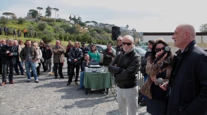 """Inaugurato il nuovo parco attrezzato di via Vigne. Il sindaco Figliolia: """"Restituito un altro bene alla città che va salvaguardato"""""""