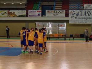 I gialloblù si caricano prima del match (Foto Teresa Aprea)