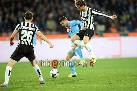 Il Napoli mette ko la Juve e il tecnico Conte va in escandescenza