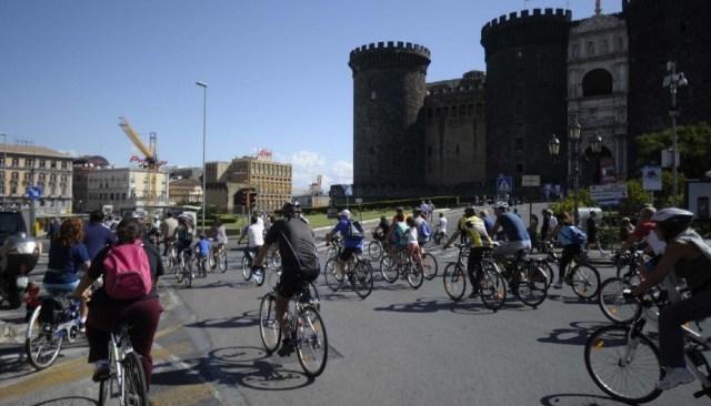 Napoli, capitale del volontariato