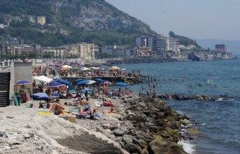 Spiagge, Figliolia affida la metà di libera balneazione con bando pubblico