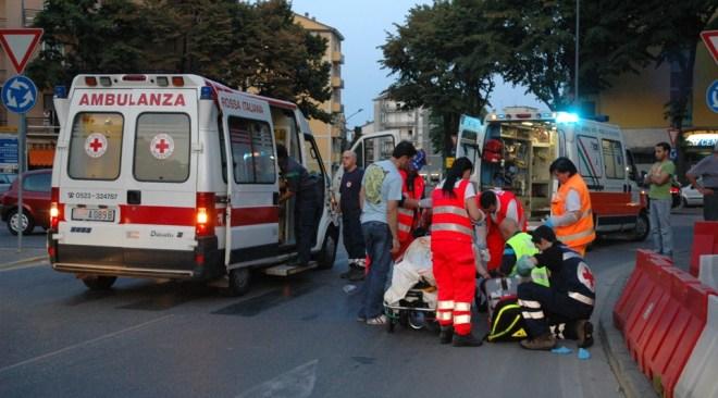 Quarto, impatto tra due auto nella notte: 32enne di Pozzuoli riporta fratture guaribili in due mesi
