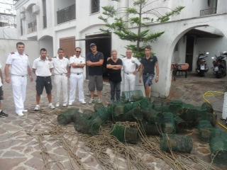 Parco Sommerso di Baia, sequestrate attrezzature da pesca e piattaforma abusiva