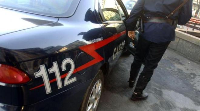 Varcaturo, incendia rifiuti in un campo: colto in flagrante e arrestato un 22enne