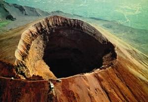 Vesuvio e caldera dei Campi Flegrei, ne discutono scienziati di tutto il mondo a Napoli