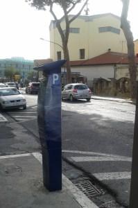 Uno dei parchimetri nuovi installati ad Arco Felice