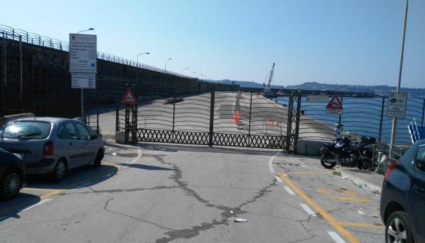 Molo Caligoliano, in parte passa al Comune e sarà destinato a parcheggio.