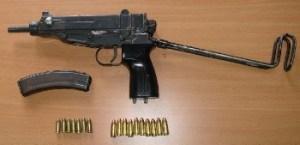 Carabinieri - mitraglietta scorpions