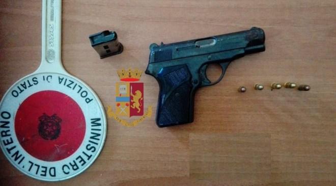 Fuorigrotta, arrestato 38enne per porto abusivo d'armi