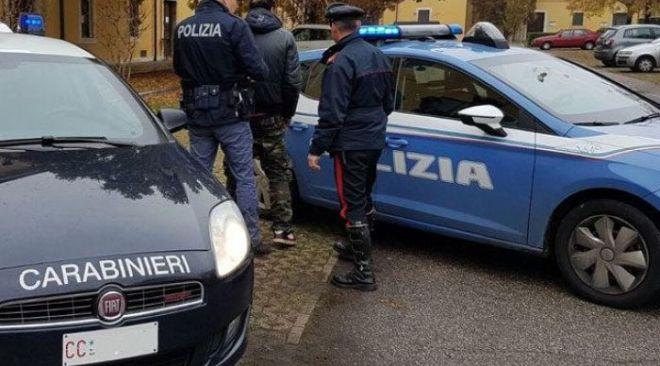 Ischia, 26enne aggredito con scope e sfollagente: arrestate tre persone