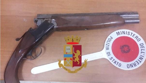 Trovato a Napoli, dalla polizia, un fucile rubato a Quarto nel 2005