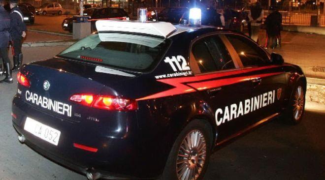 Pozzuoli, parcheggiatore abusivo tenta di estorcere denaro a carabiniere a cena con gli amici: arrestato