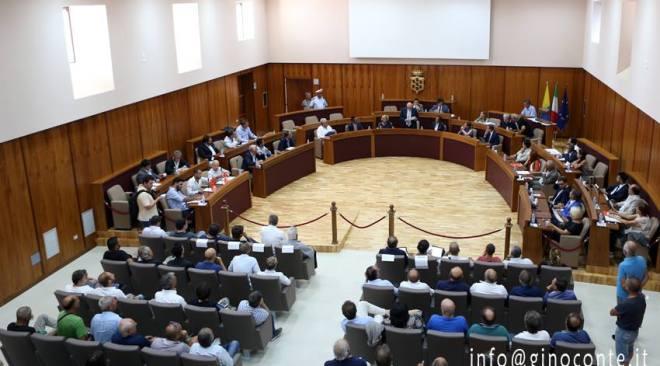 Caserma di Licola e riqualificazione dell'area ex Sofer nel consiglio comunale di giovedì