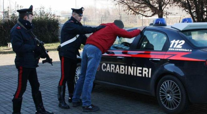 Pusher di Licola arrestato in flagranza a Santa Maria Capua Vetere