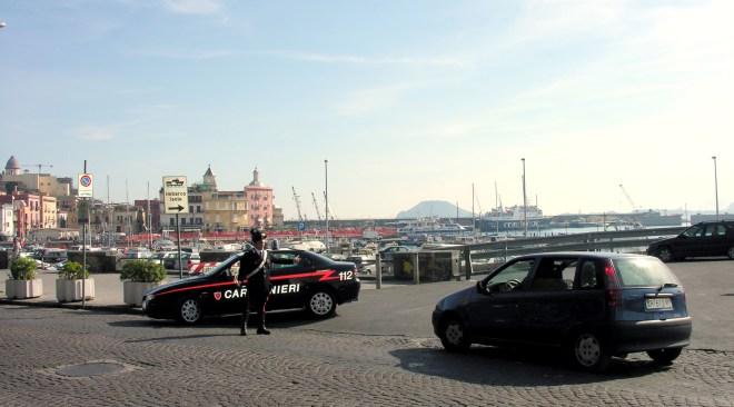 Task force nell'area flegrea: daspo urbano a 6 parcheggiatori abusivi