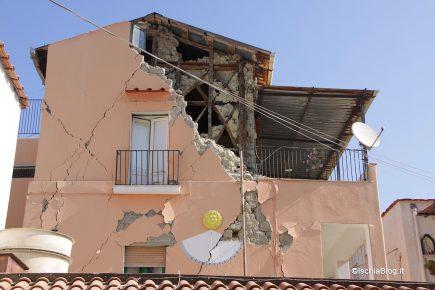 Terremoto di Casamicciola, nel Decreto per Genova inserite agevolazioni fiscali, contributi e un condono