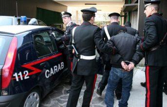 LICOLA/ Albanese espulso dall'Italia trovato e arrestato in un hotel