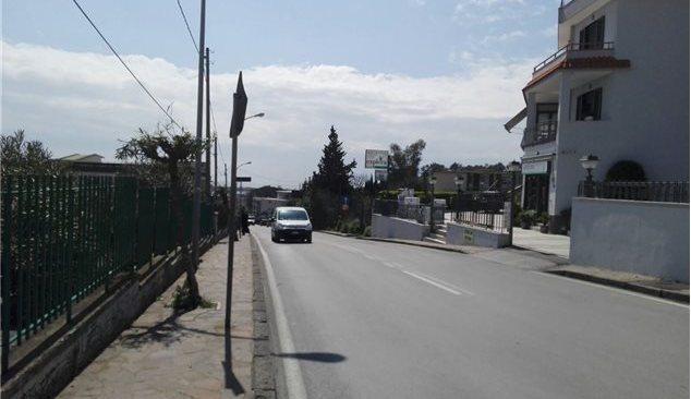 Bacoli, problemi alla sede stradale: chiusa al traffico via Mozart