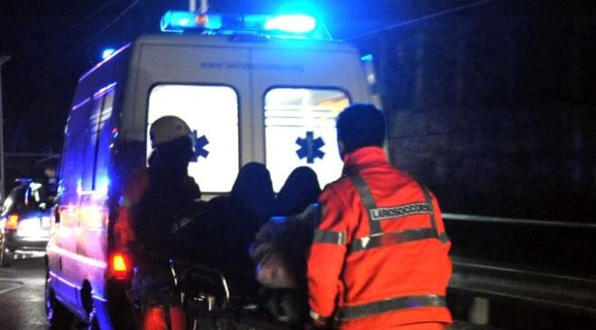 POZZUOLI/ Spaventoso incidente in via Domitiana, uomo ferito trasportato in ospedale