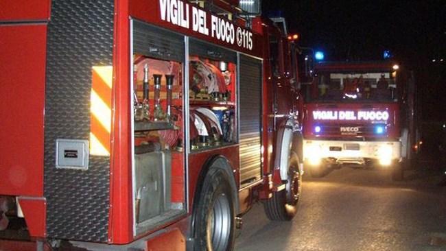 QUARTO/ Incendio in una casa in via Viviani: uomo in ospedale per intossicazione