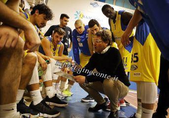 Basket: coach Gentile, clima surreale ma ce l'abbiamo fatta. Campionati sospesi.