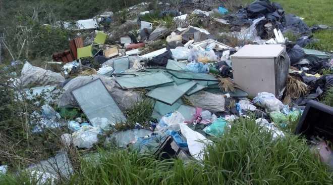 VARCATURO/ Discarica illegale di rifiuti speciali scoperta da un drone: denunciata una 64enne