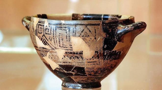 """La Coppa di Nestore, dai Campi Flegrei alla mostra """"Troy"""" del British Museum di Londra"""
