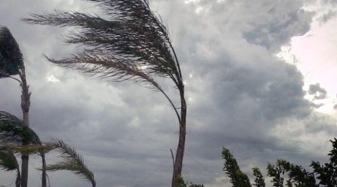 ULTIMORA/ Allerta meteo con forti raffiche di vento domani e mercoledì nei Campi Flegrei
