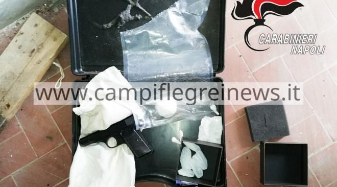 Scacco al clan Beneduce-Longobardi, trovata valigia con pistola e cocaina in un condominio al Rione Toiano