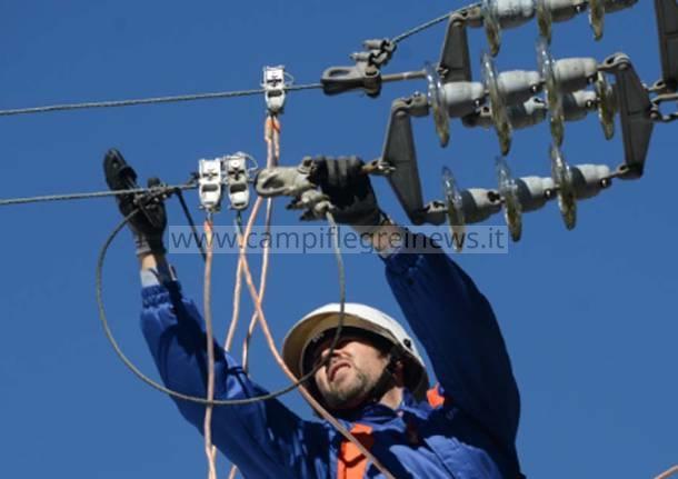 LICOLA/ Guasto ad una cabina, via San Nullo senza energia elettrica da stamattina