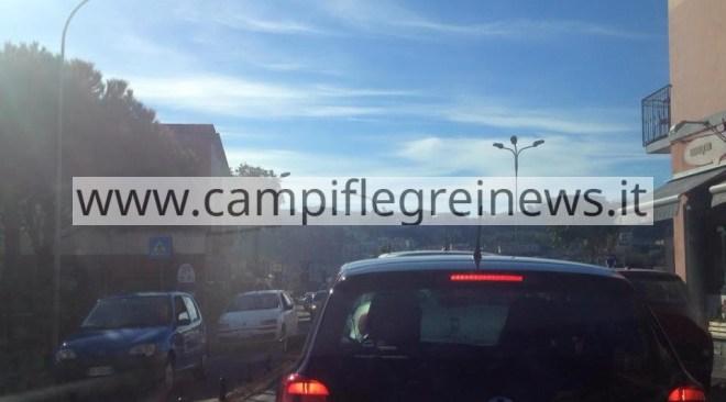 Mattinata infernale: Lucrino e Arco Felice nella morsa del traffico