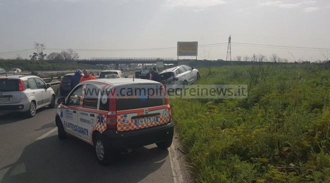ULTIMORA/ Grave incidente sulla Statale dopo l'uscita di Varcaturo, oltre 3 km di coda