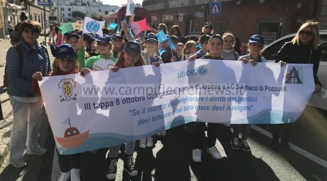 POZZUOLI/ Staffetta Unicef, l'istituto Artiaco ha accolto stamani le scuole di Ischia