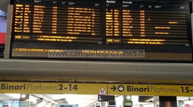 Napoli Centrale, in tilt il sistema informativo audio-video: notizie diffuse manualmente ai viaggiatori