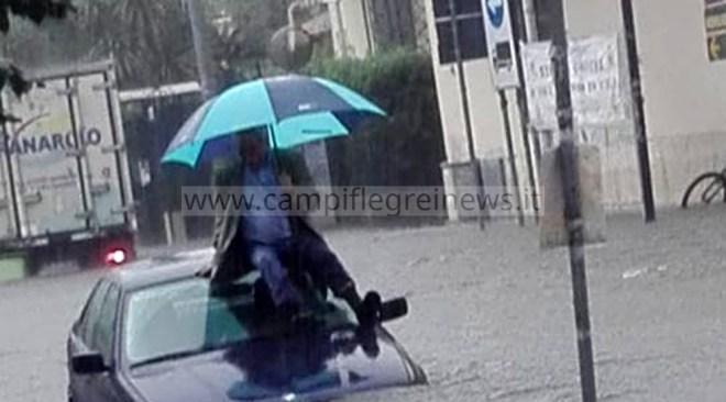 Campi Flegrei, è allerta meteo arancione: domenica con vento forte, piogge e allagamenti