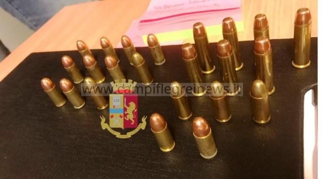 PIANURA/ Polizia trova 23 proiettili di vario calibro nascosti dietro un pannello