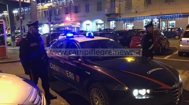 Fa il parcheggiatore abusivo ma ha il reddito di cittadinanza, 56enne fermato dai carabinieri