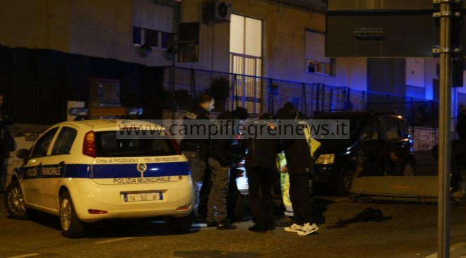 POZZUOLI/ Morto sul colpo il centauro, era dirigente di Polizia: disposta l'autopsia della salma – LE FOTO