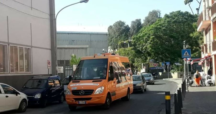 POZZUOLI/ Bus della Ctp fermi per guasto, Rione Solfatara isolato da un mese